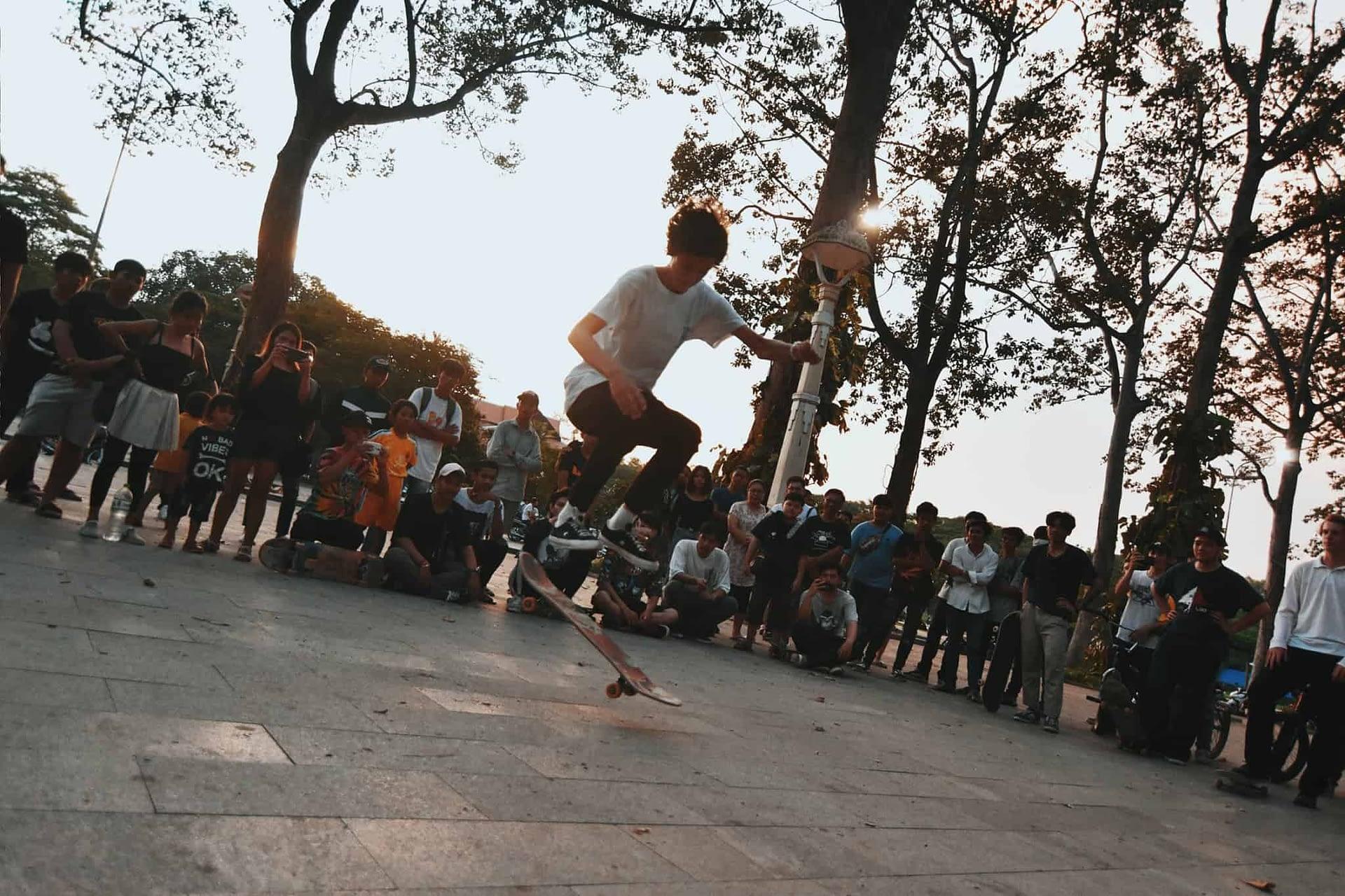 Elder women Skateboarding