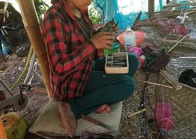 Weavers at MANAVA