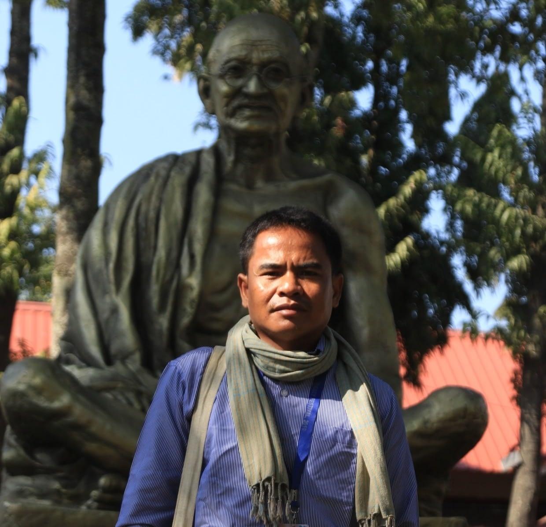 Khmer_Poet_Chin _Meas